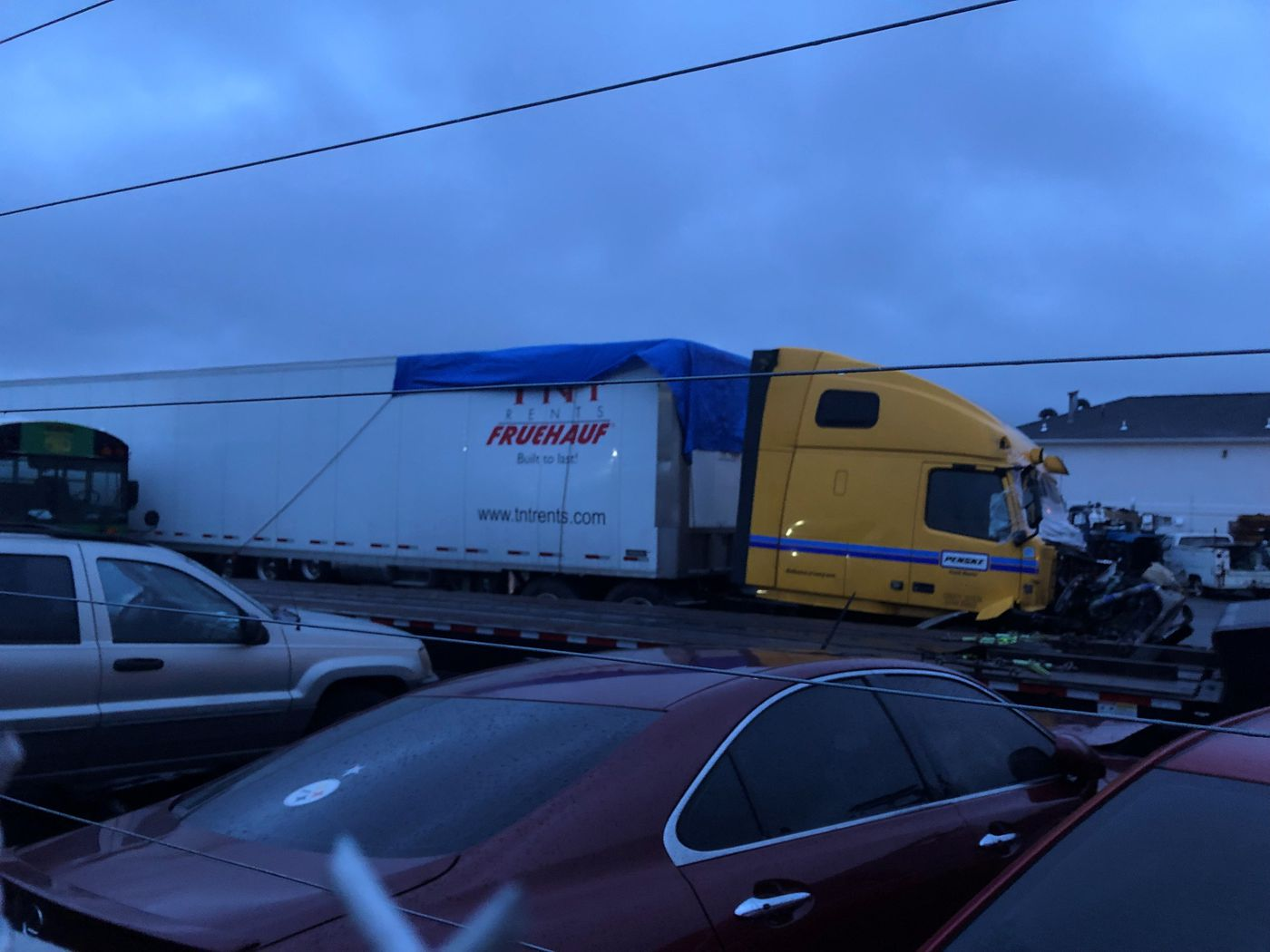 Tractor-trailer involved in I-40 crash that killed 2 TDOT ... on u.s. route 40 map, us interstate 40 map, interstate 40 tennessee map,