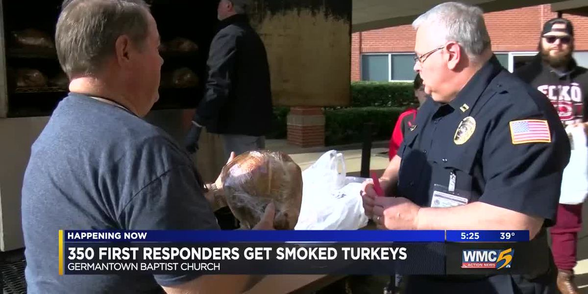 First responders give back for Thanksgiving