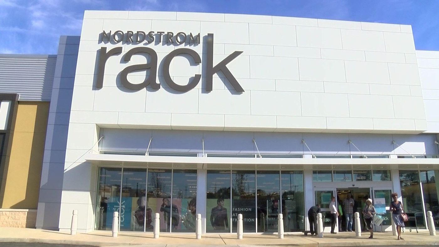 89d45ff40a4 Nordstrom Rack hosts grand opening in Memphis