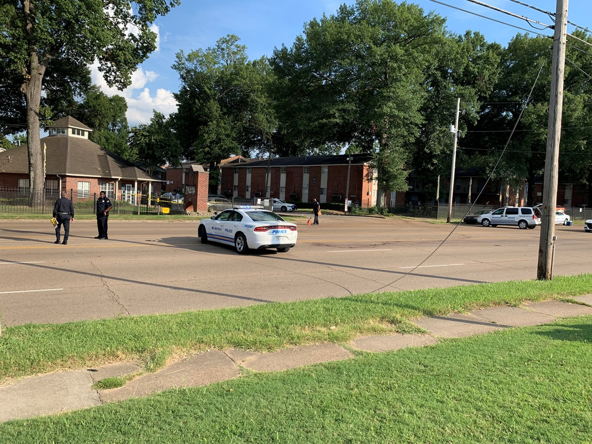 Police respond to homicide on Jackson Ave.