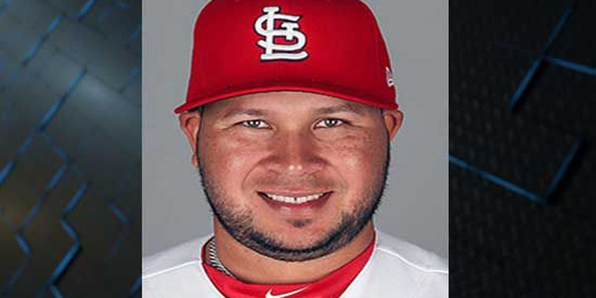Cards call up Peralta from Redbirds