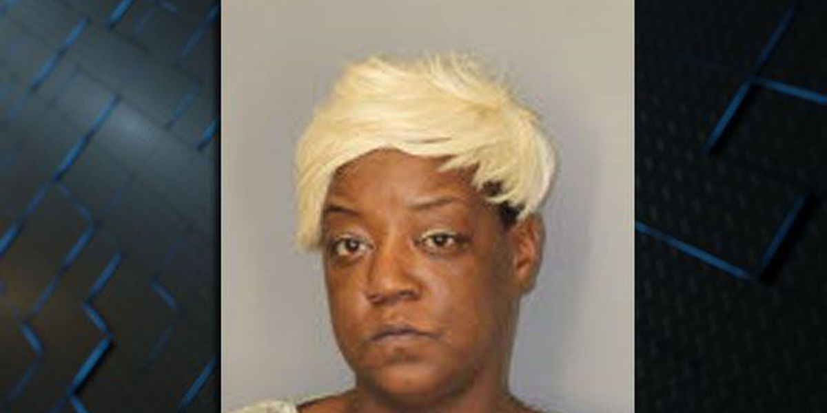 Memphis mother arrested, accused of stabbing son