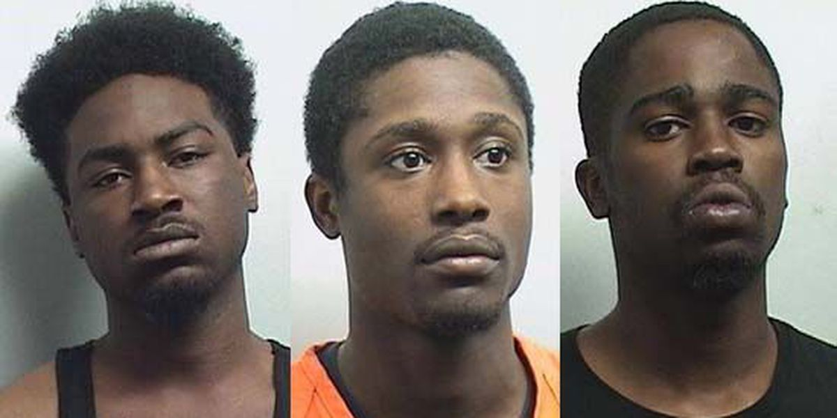 3 arrested in $14K robbery at Verizon store