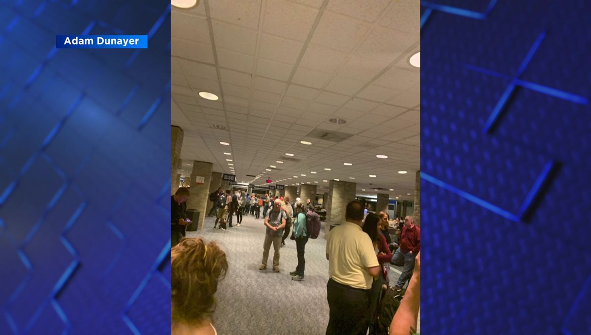 Hundreds of travelers say they were stuck at Memphis airport for hours