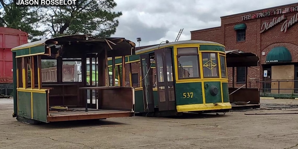Trolley car removed from former Spaghetti Warehouse