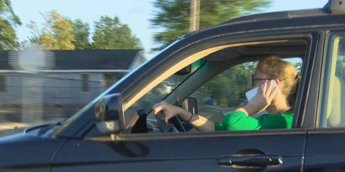 New Tennessee law makes it illegal to hold phone while driving