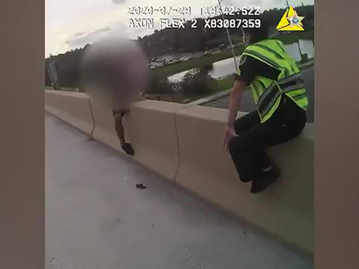 Pinky-swear gets suicidal Florida teen off overpass ledge