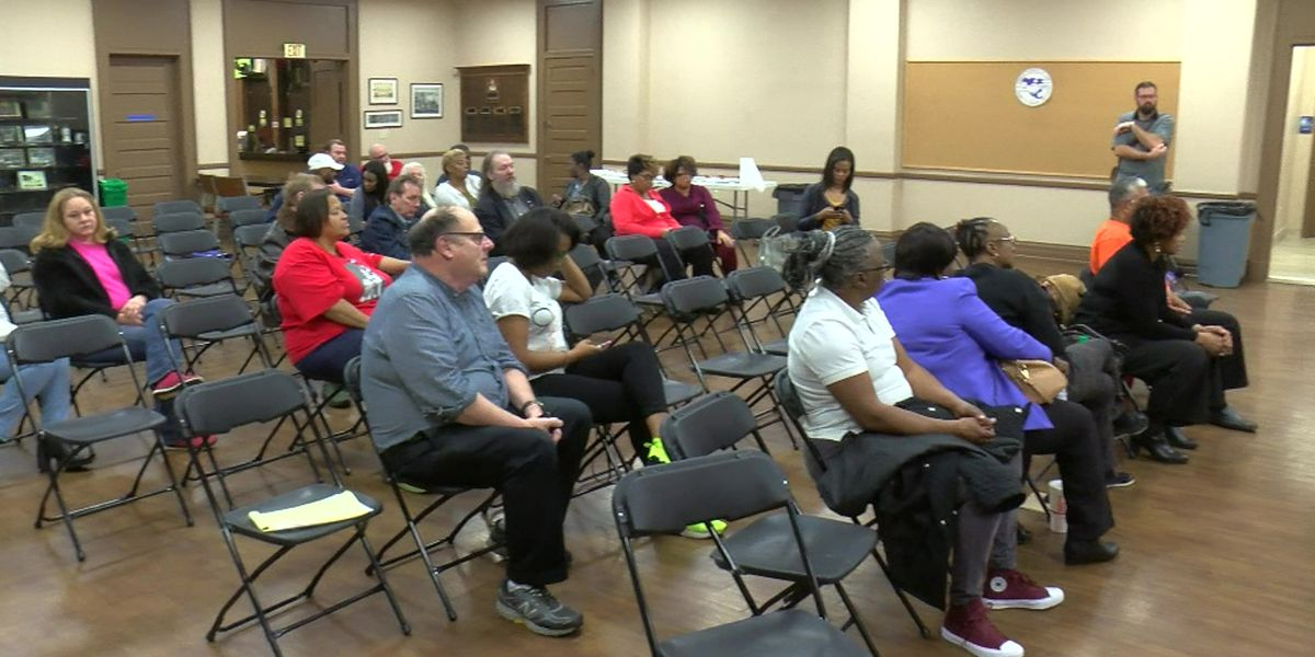 Mid-South federal employees watch, wait for shutdown to end