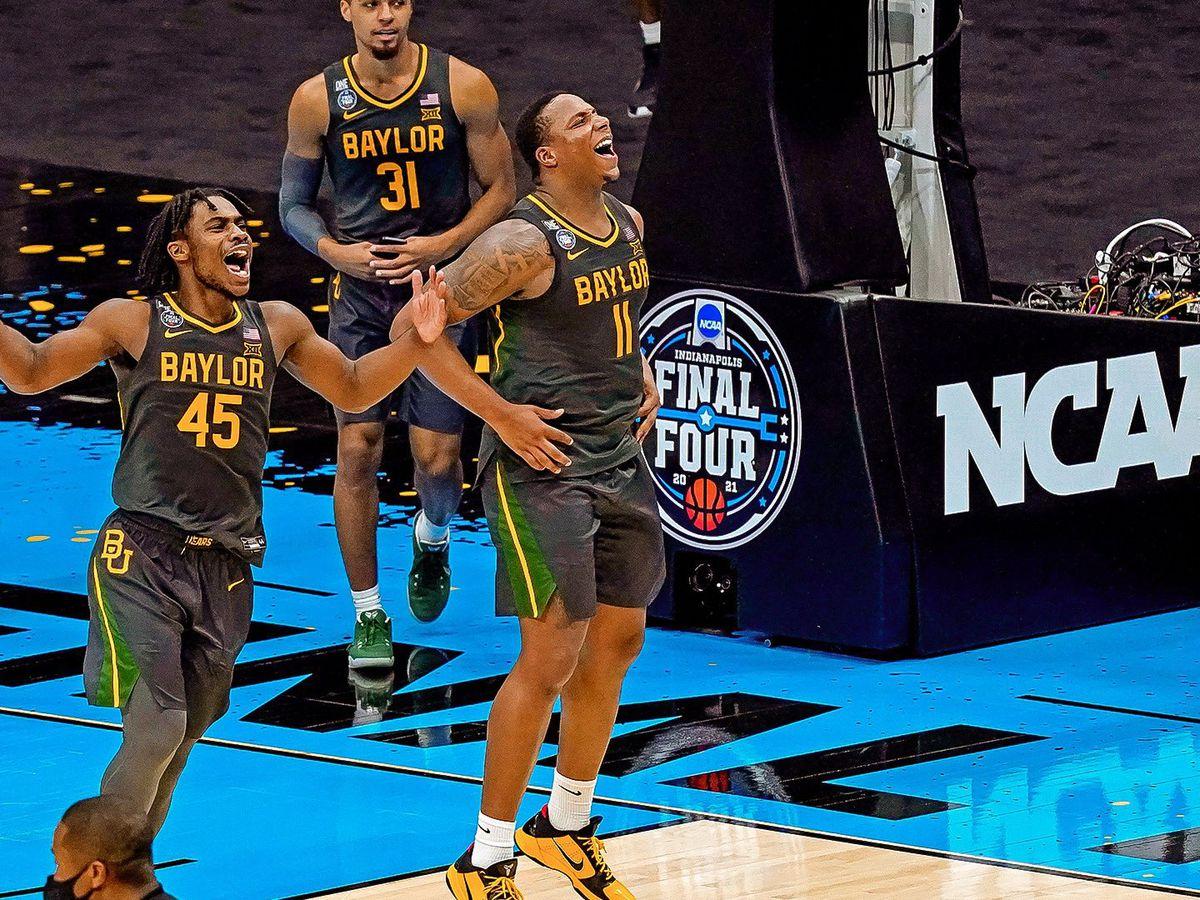 Final college basketball coaches poll