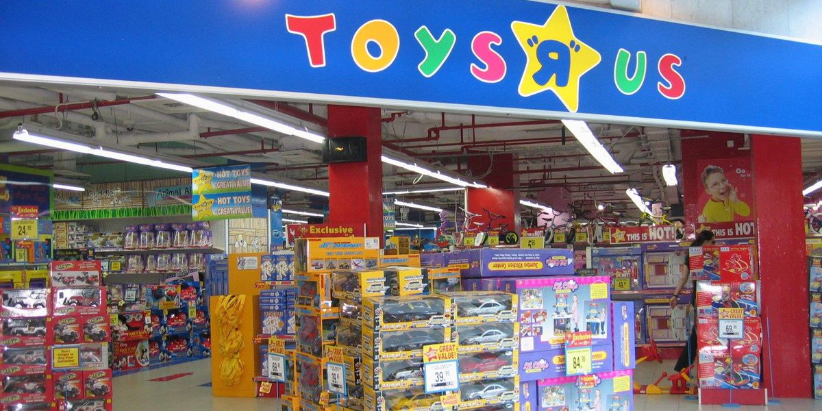 Memphis Toys R Us to stay open after all