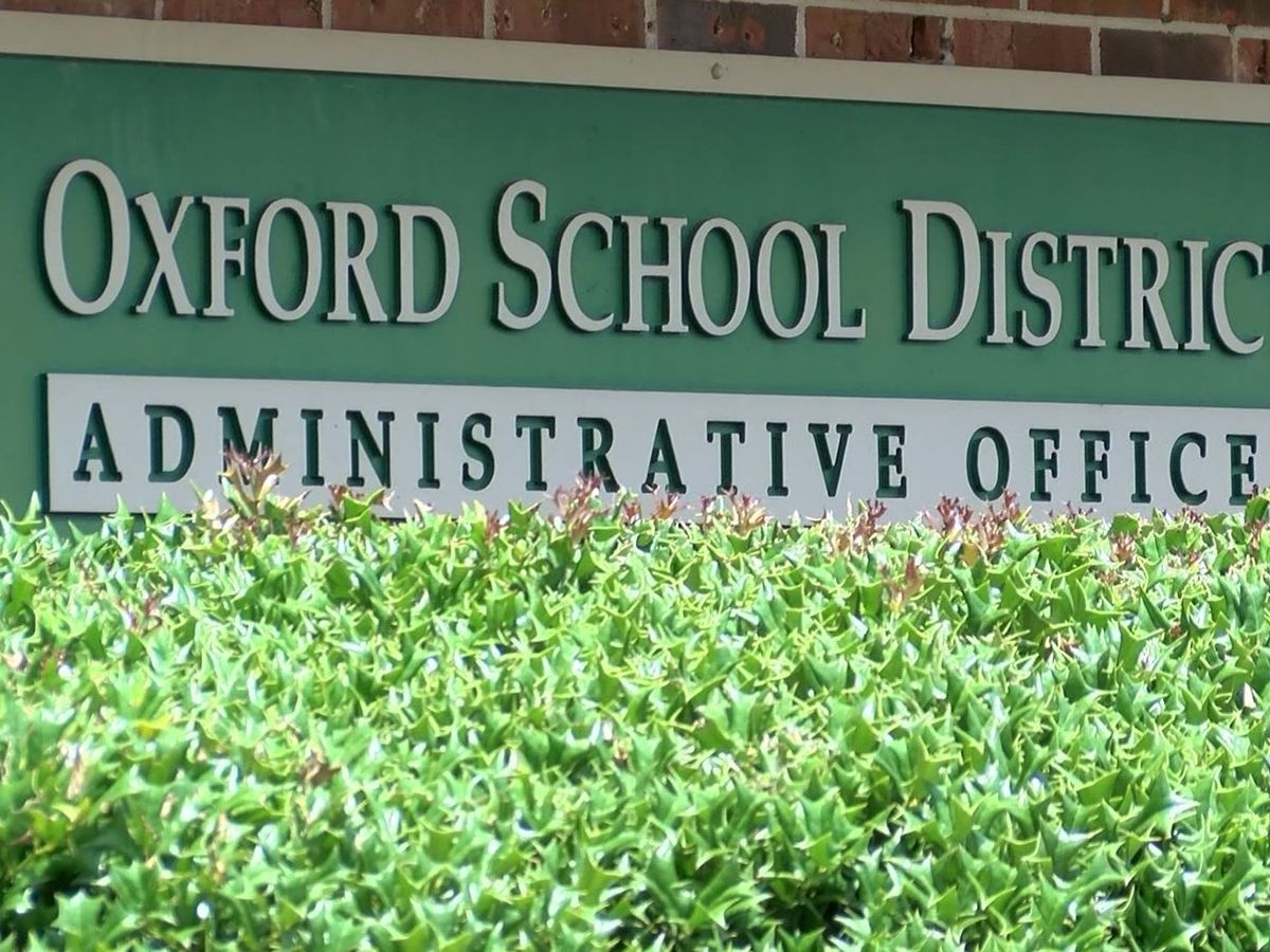 Oxford School District pushes back start of 2020-21 school year