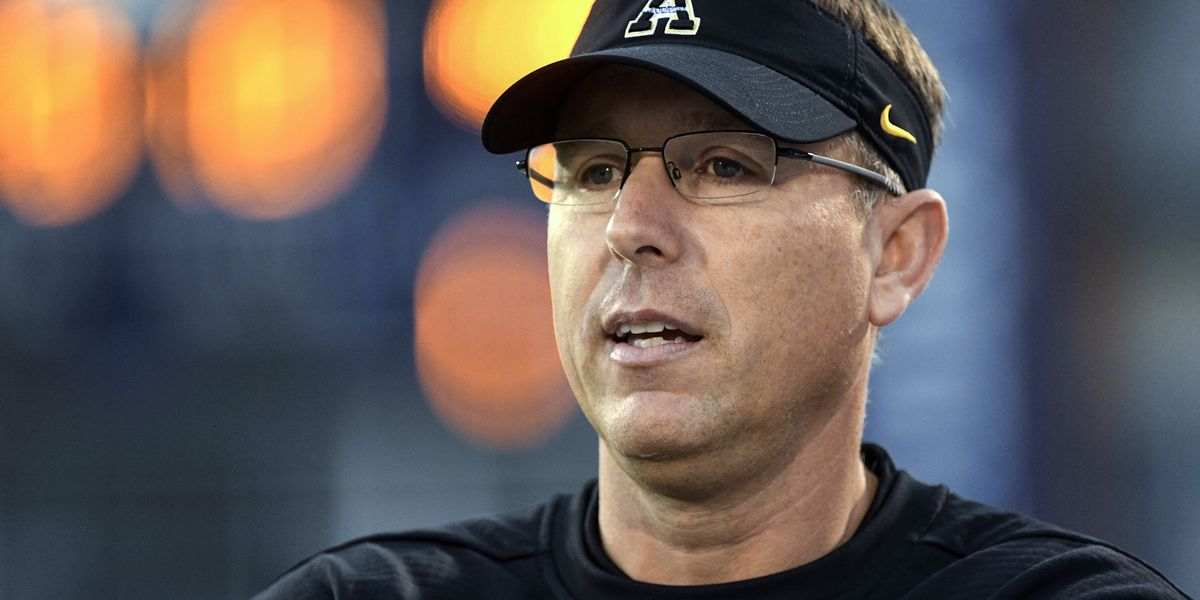 AP source: Louisville tabs Satterfield to be football coach