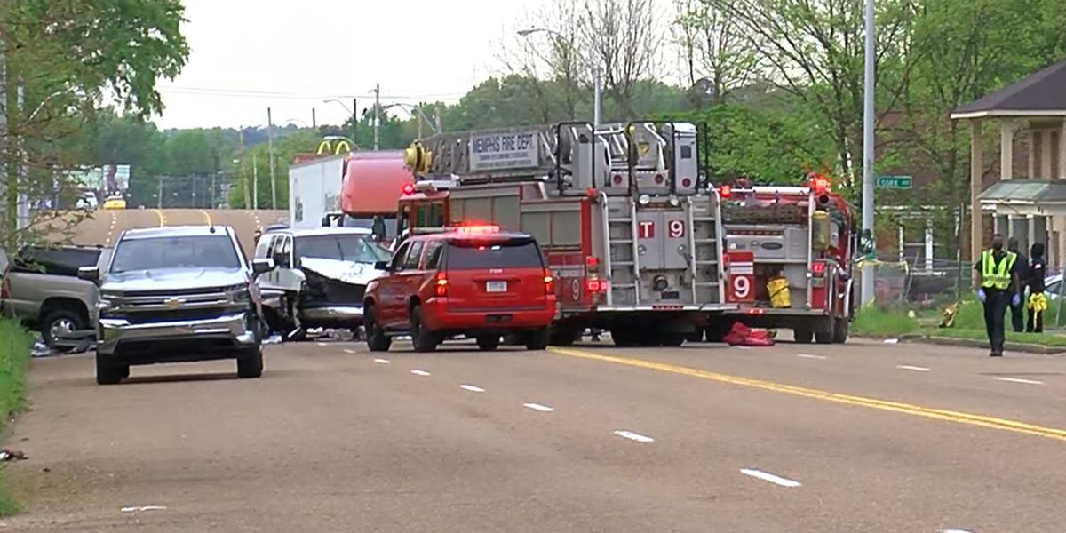 1 dead, child and 3 adults taken to hospital after multi-vehicle crash in South Memphis
