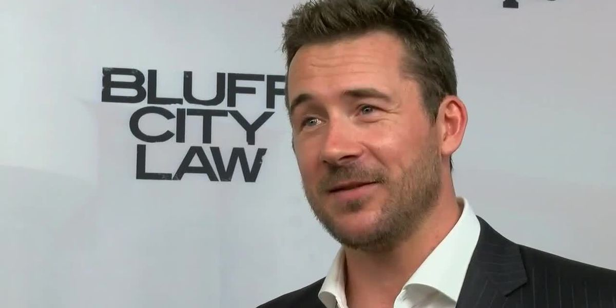 Barry Sloane discusses how his switches accents as a UK native