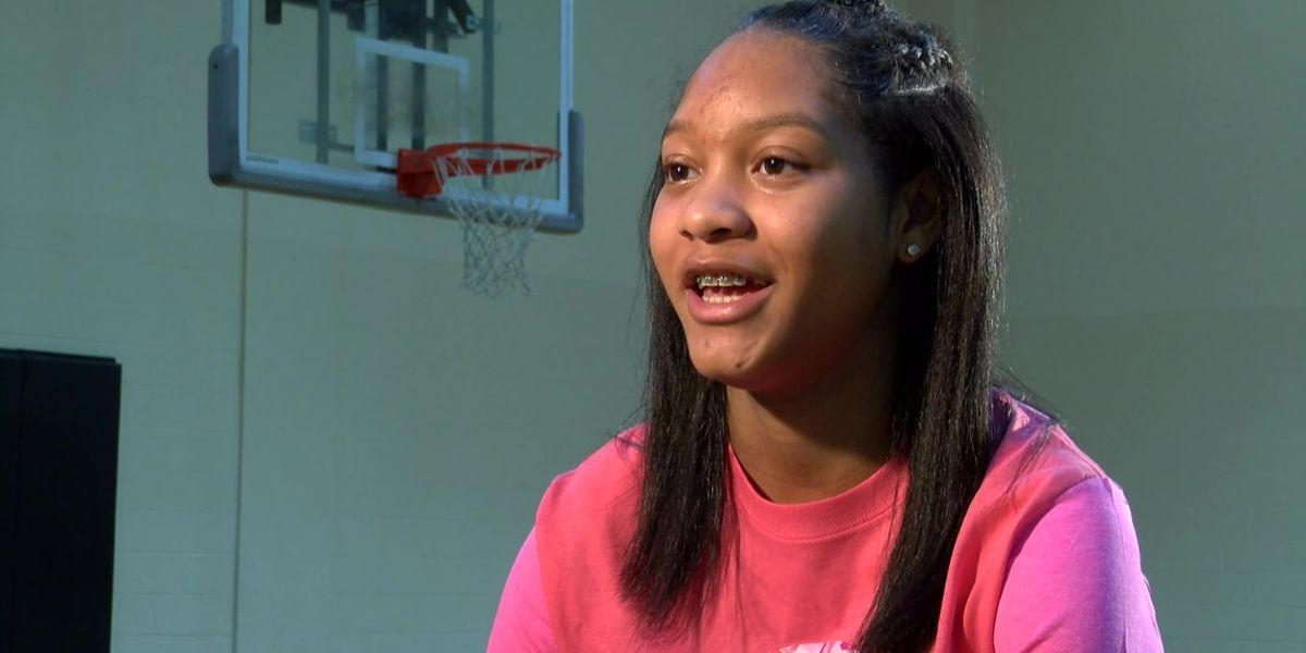 Changing the Game: Middle schooler plays basketball with one hand