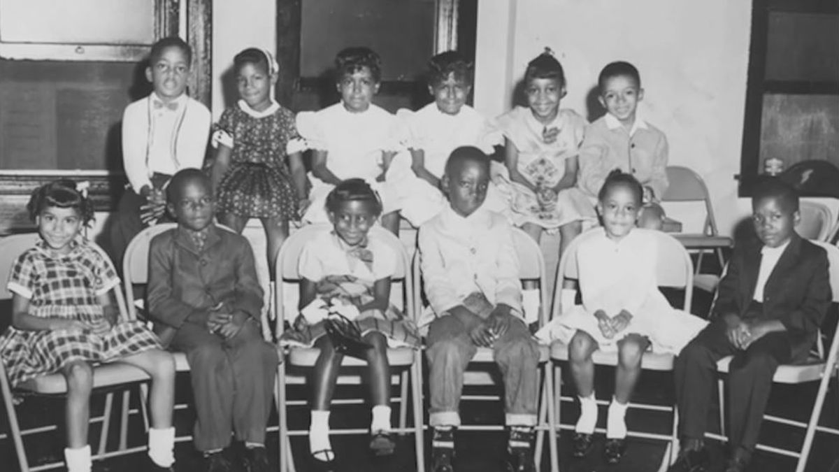 Students that integrated Memphis City Schools 60 years ago honored with mural