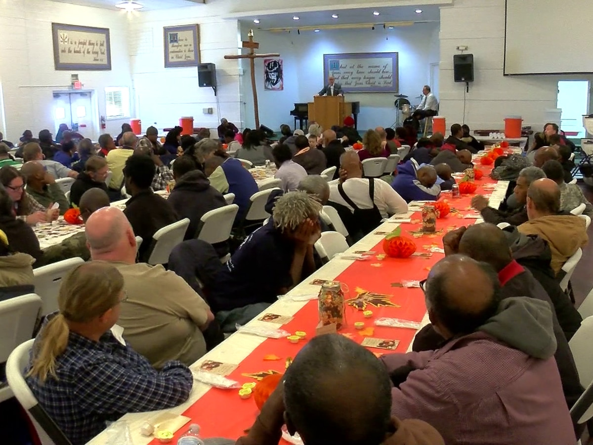 Memphis Union Mission serves over 600 meals to the homeless and needy