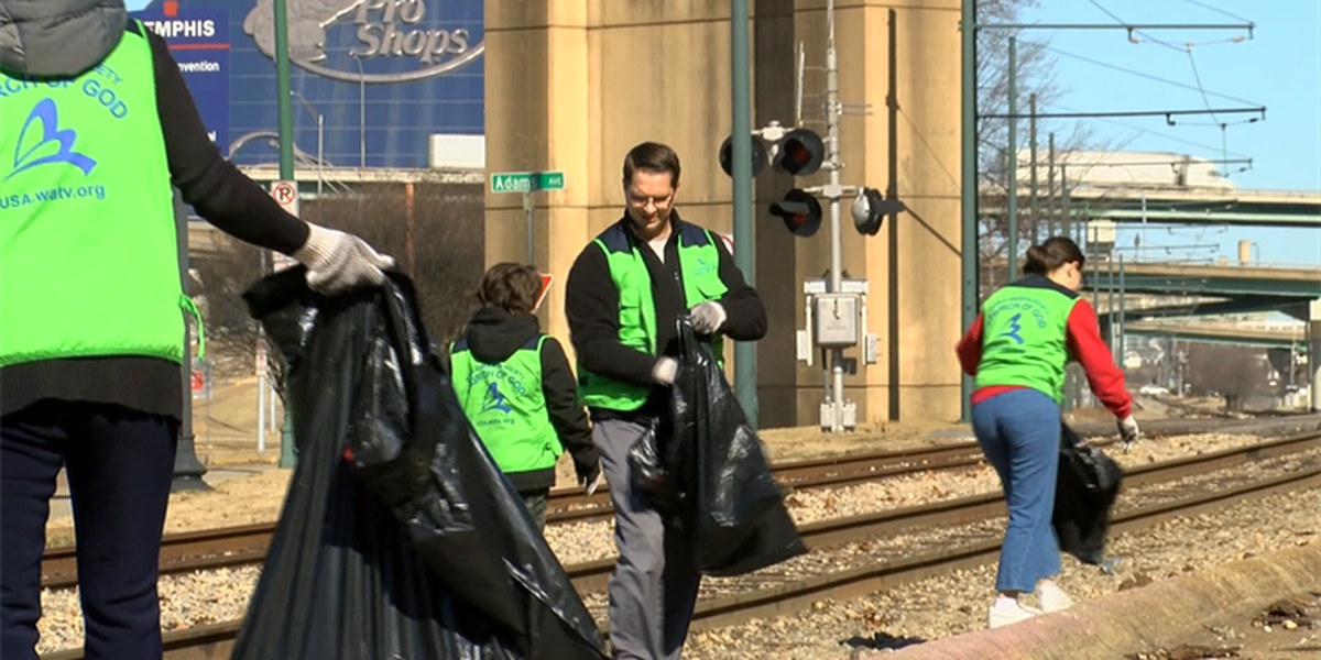 Group of Memphis students participate in World Clean Up Campaign