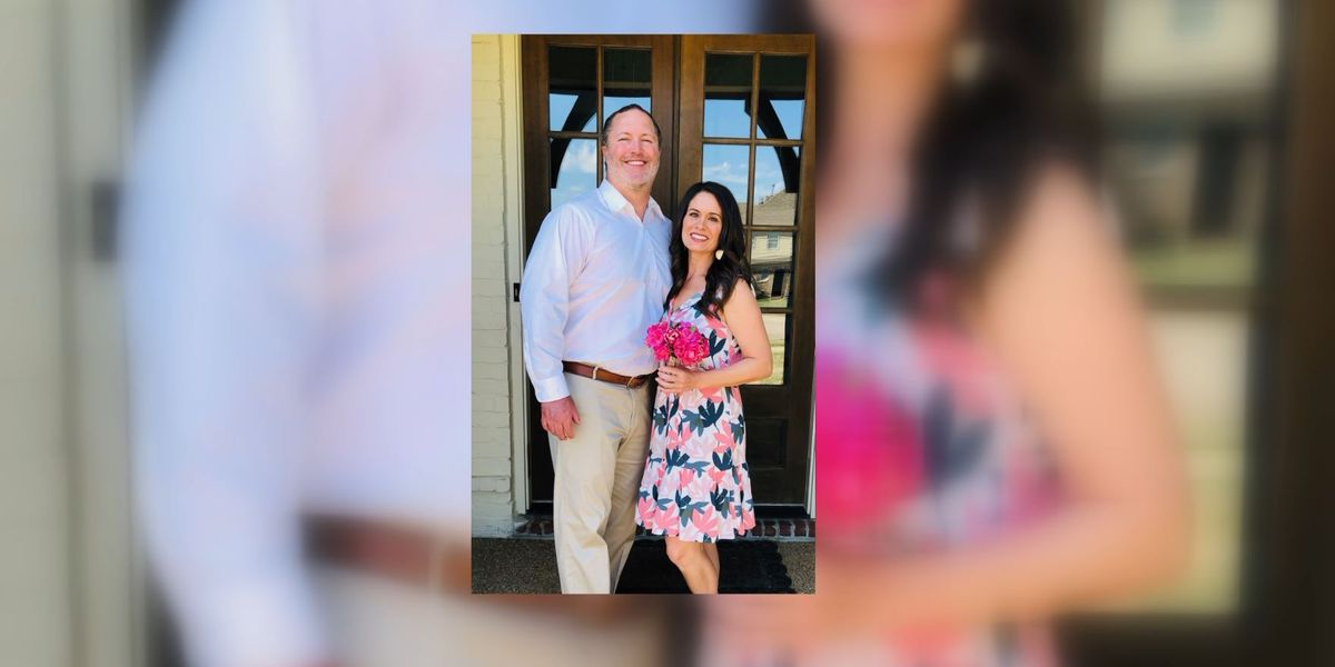 Collierville couple ties the knot with family, friends watching via Zoom
