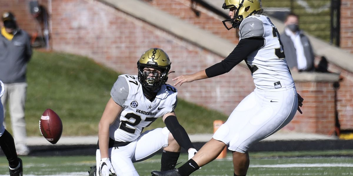 Fuller sticking with Vanderbilt football after historic kick