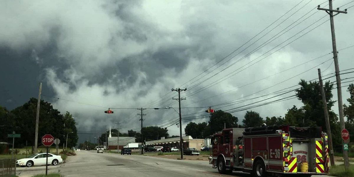 Heavy rain causes flash flooding, delays for Mid-South residents