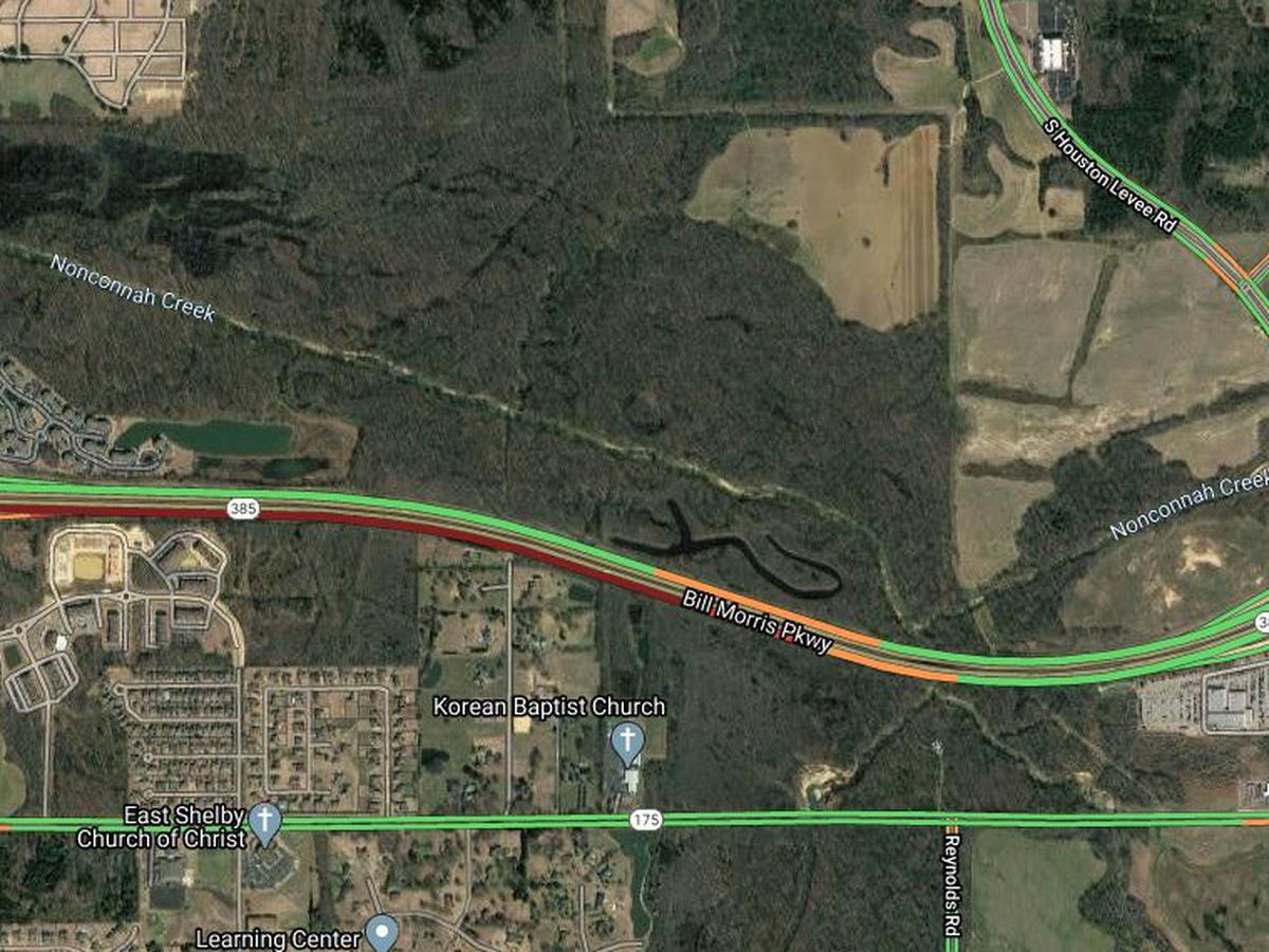 Emergency crews responding to 2 accidents on Highway 385