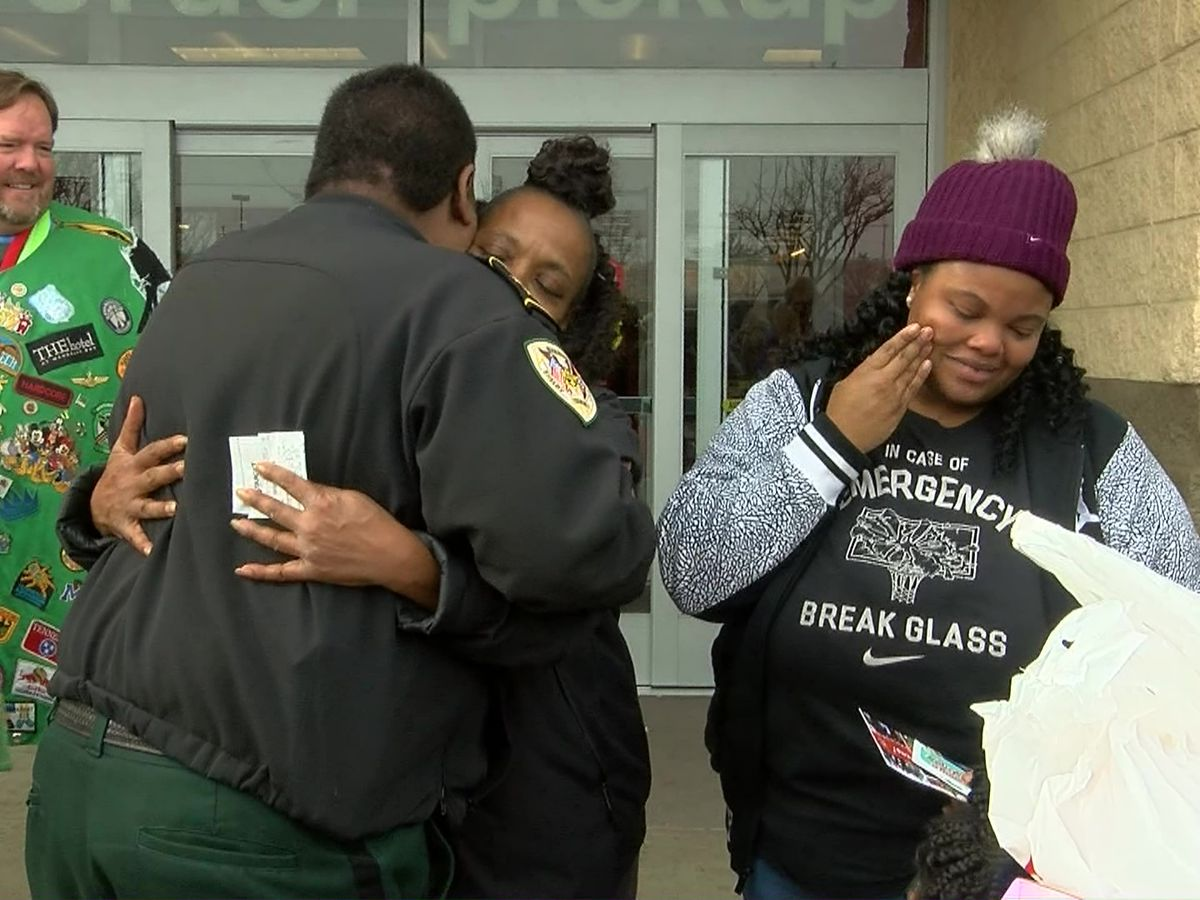 Shelby County Sheriff's Office gives out gifts instead of citations