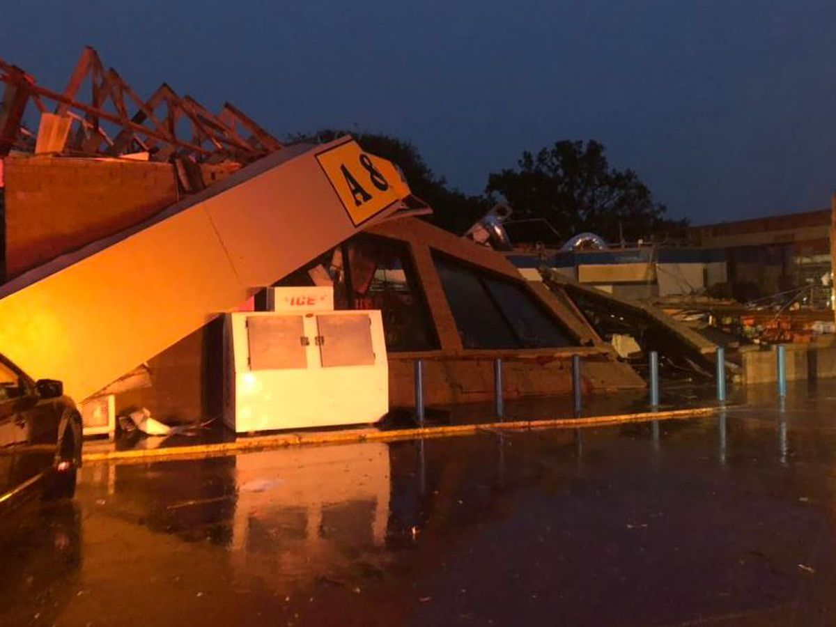 Injuries reported after possible tornado hits Northeast Arkansas town