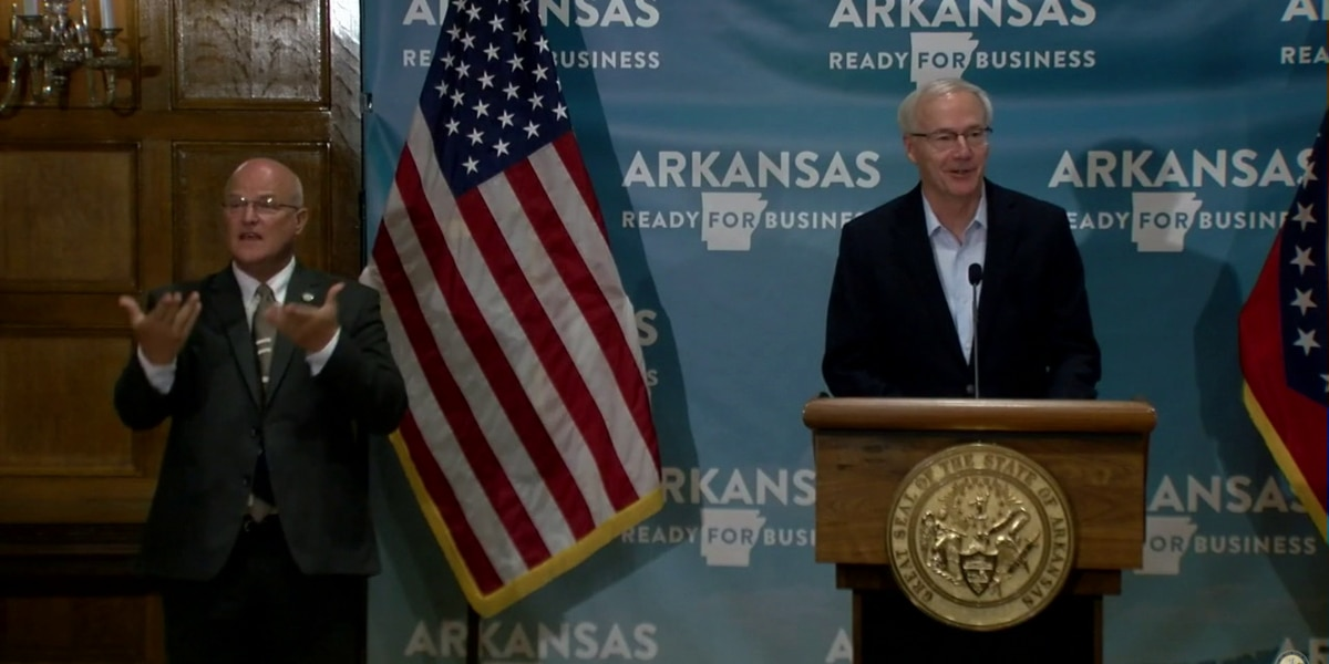 Gov. Hutchinson signs executive order giving cities the option to adopt mask-wearing ordinance