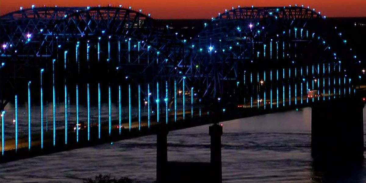 Hernando DeSoto Bridge lights up for COVID-19 victims