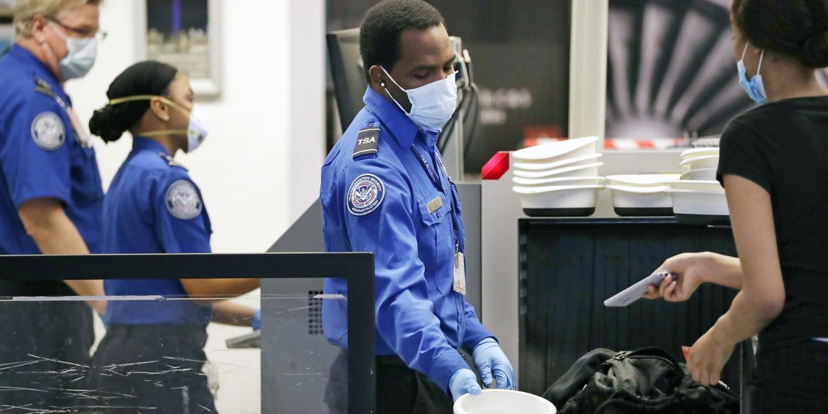 Most major US airlines ban guns in luggage for DC flights