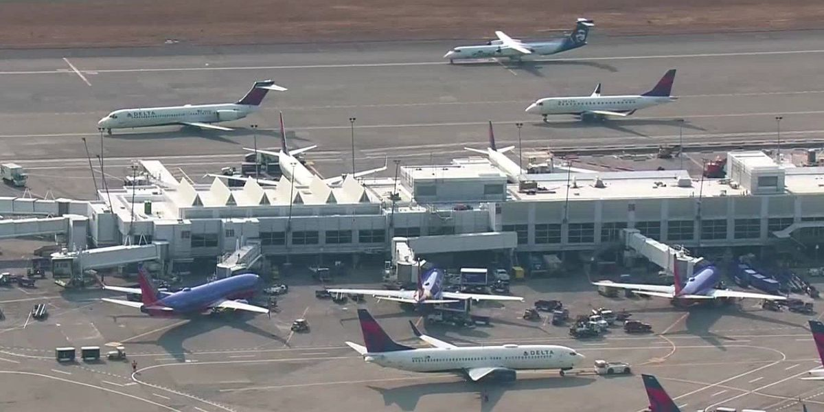 Seattle plane theft opens discussion on internal airport security