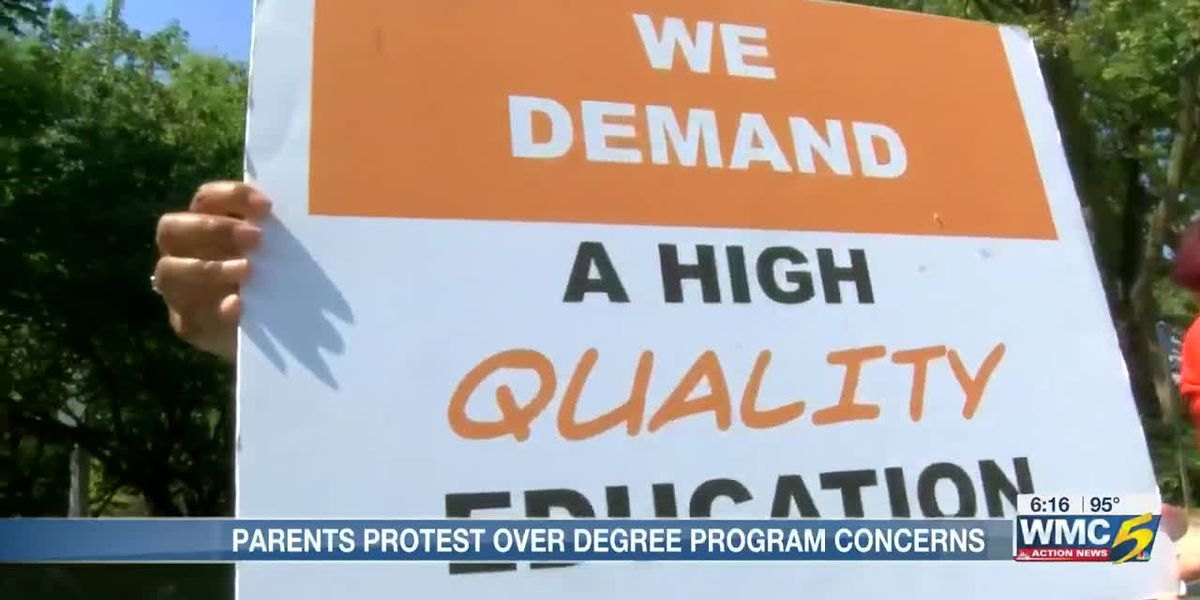 Parents with Memphis Lift protest Southwest Early College High School over degree program concerns