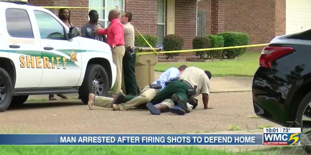 Man goes live on Facebook from patrol car during arrest