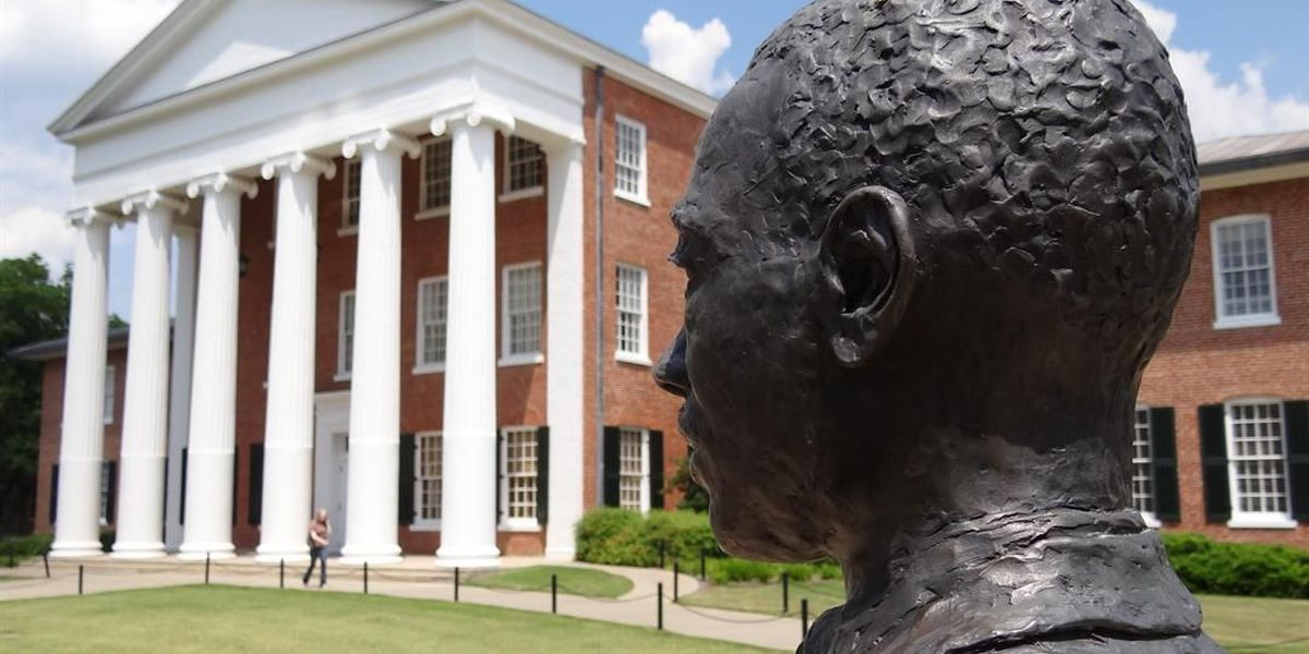 Report: Less than half of MS financial aid goes to students from poor homes