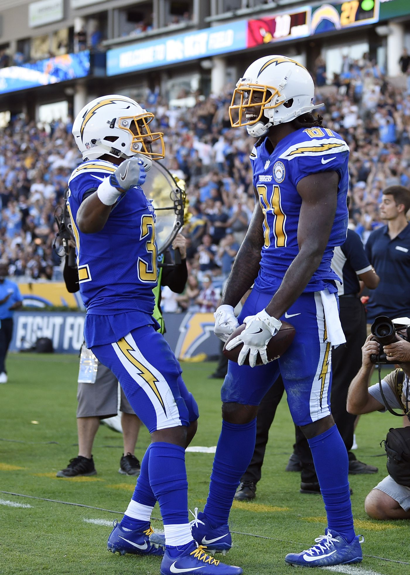 Record day  Chargers  Rivers sets 2 completion marks in win d7af8b625