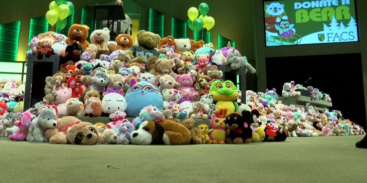Memphis school stepping up to help children in crisis by donating stuffed animals