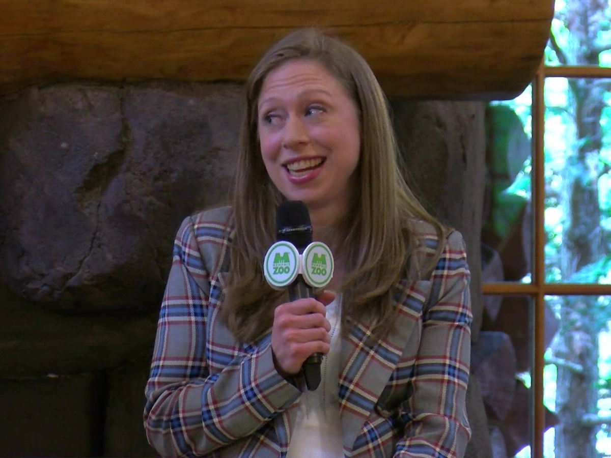 Chelsea Clinton promotes new children's book at Memphis Zoo