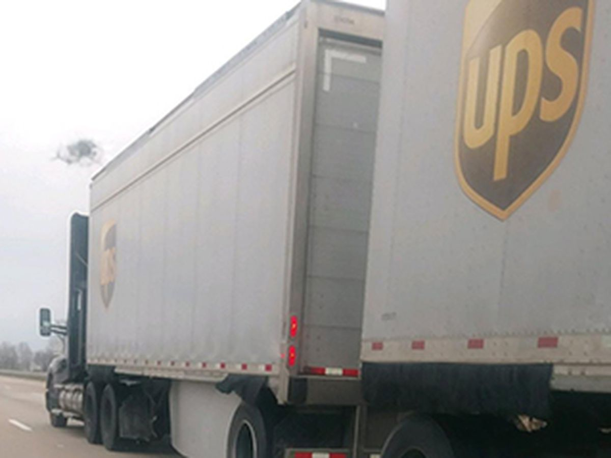 Mid-South woman says UPS truck caused damage to car