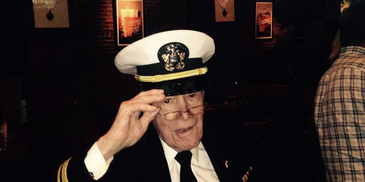 Memphis D-Day veteran honored with his own bar stool