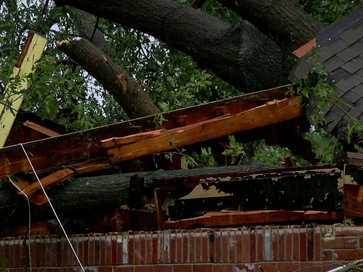 Cottonwood Apartments take hit from morning storms
