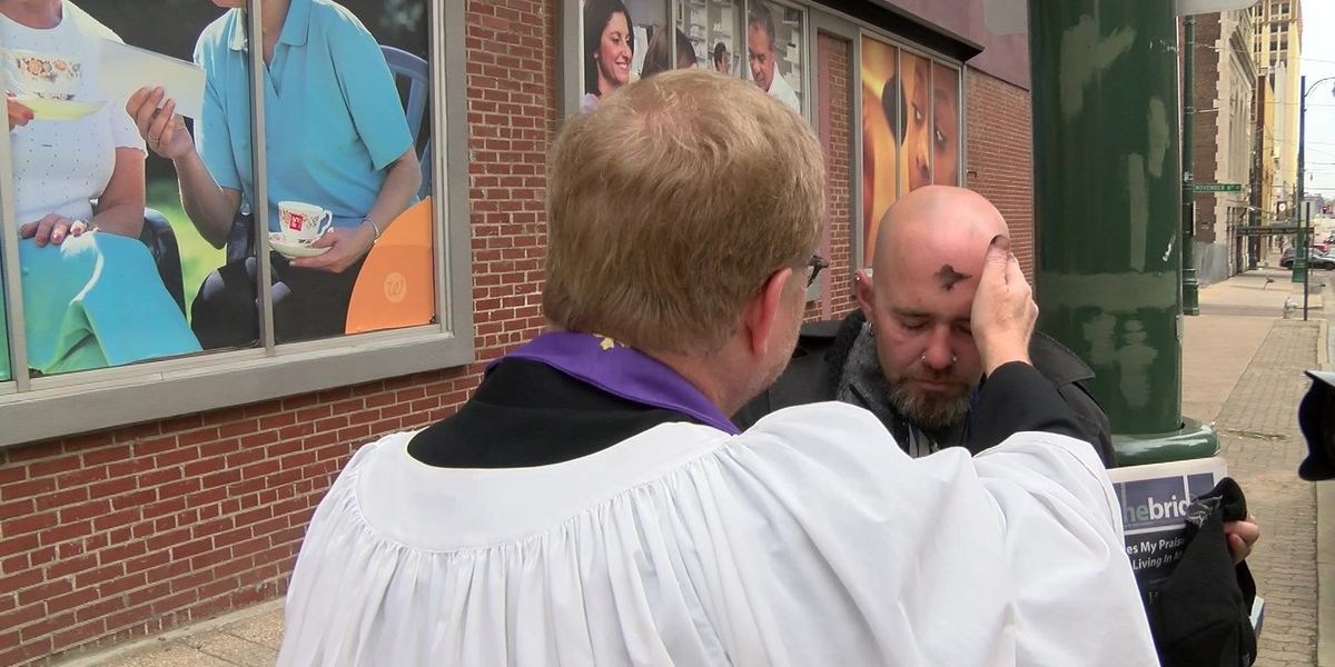 """Ash Wednesday celebrated with """"Ashes to Go"""" event"""