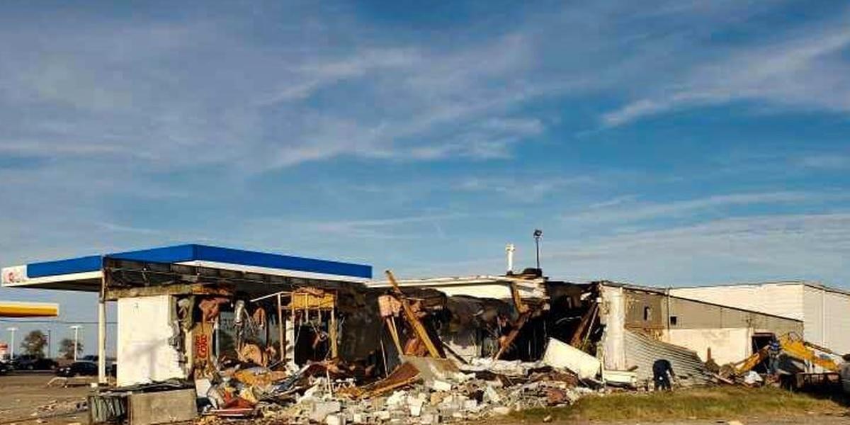 Demolition of old gas station starts in Osceola