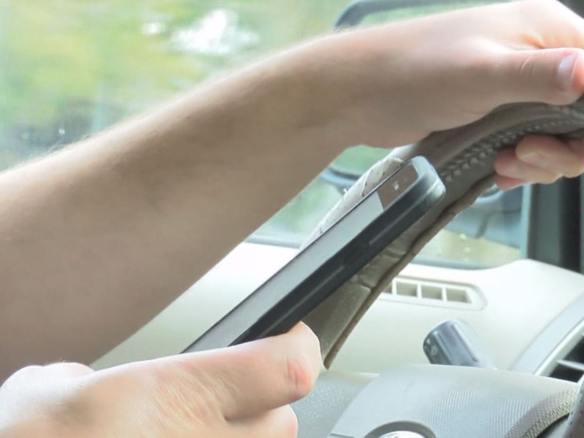 City Council attorney says MPD can fine drivers for state's hands-free law without new city ordinance