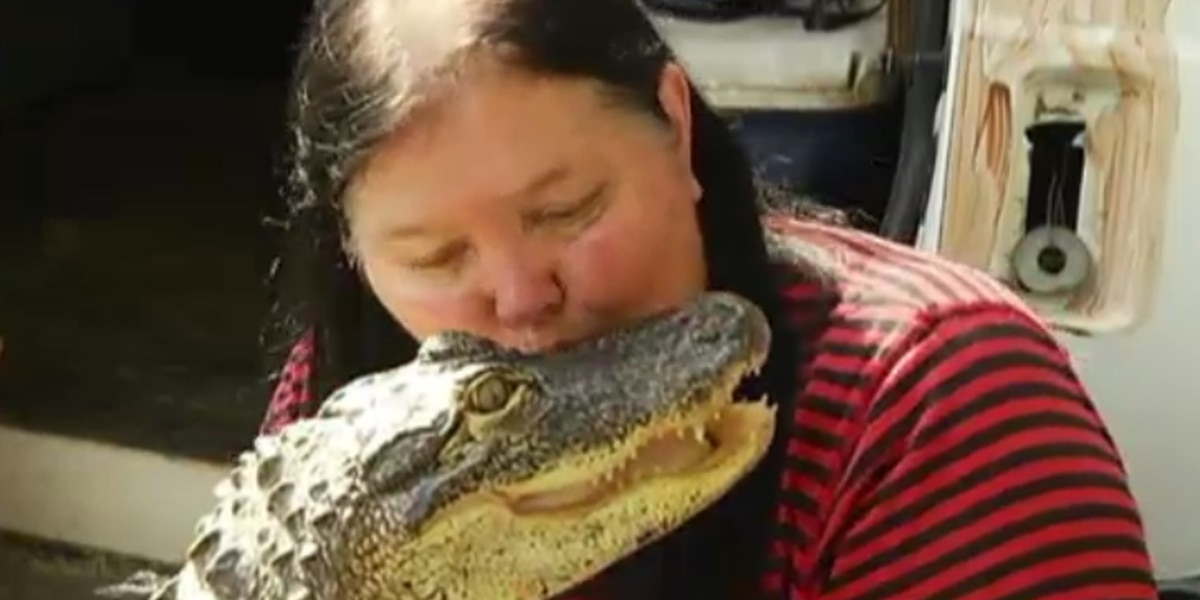 Biker Dad: Woman fights to keep motorcycle riding gator