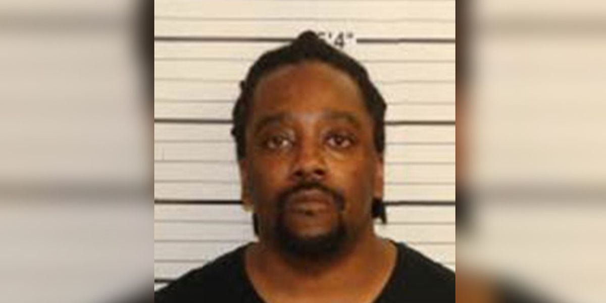 MPD: Uber driver charged with sexual battery to passenger
