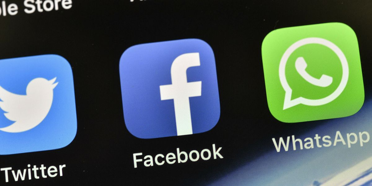 Facebook and Instagram experience outages