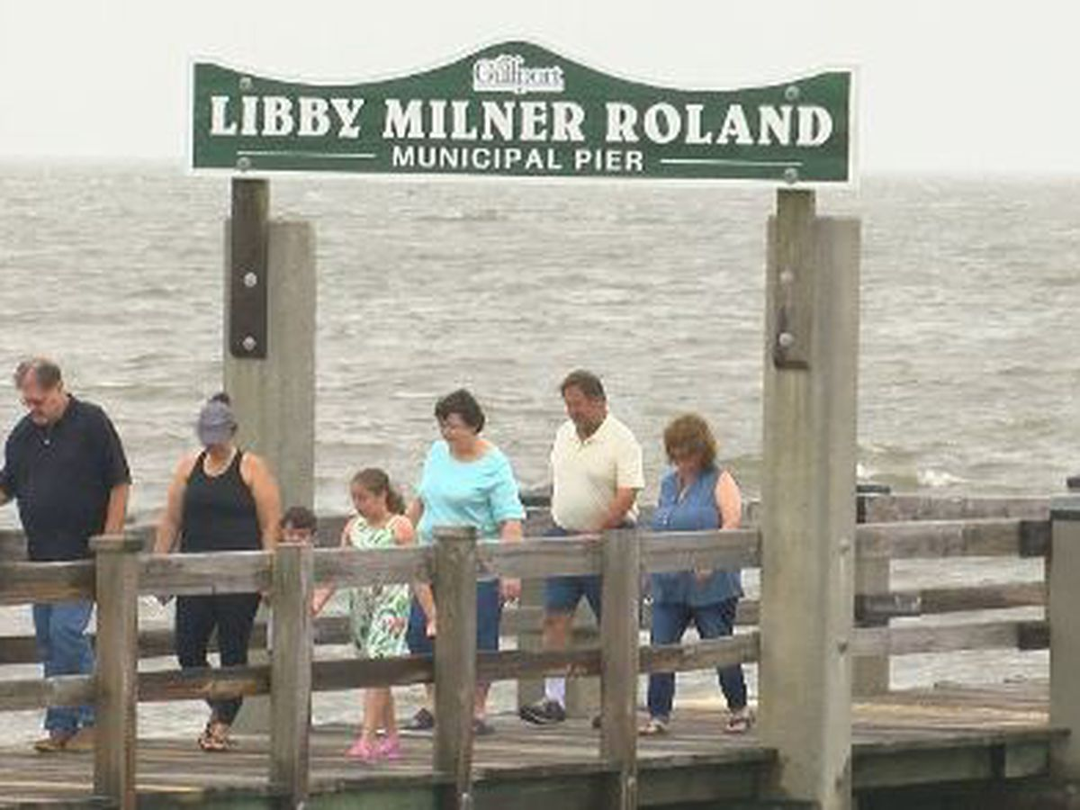 Beach-goers not stalled by remnants of Hurricane Barry
