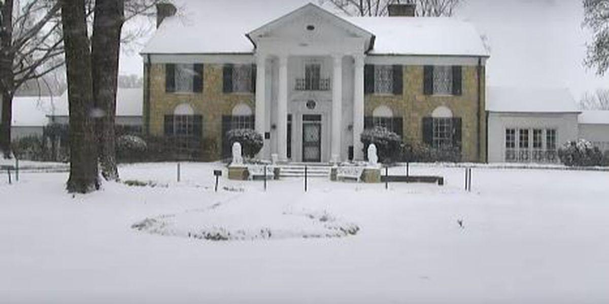 LIVE: Stream shows winter wonderland at Graceland